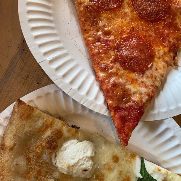 Photo prise au Joe's Pizza par brittany le1/26/2020
