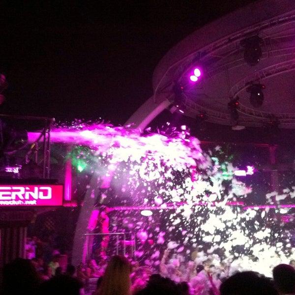 รูปภาพถ่ายที่ Club Inferno โดย Arzu . เมื่อ 7/15/2013