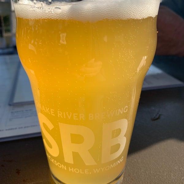 Снимок сделан в Snake River Brewery & Restaurant пользователем Chrissy P. 8/31/2020