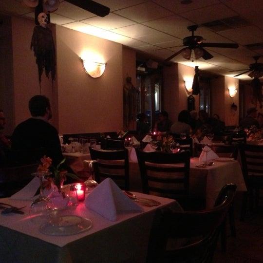 Das Foto wurde bei Lasagna Restaurant von Jeff M. am 10/21/2012 aufgenommen