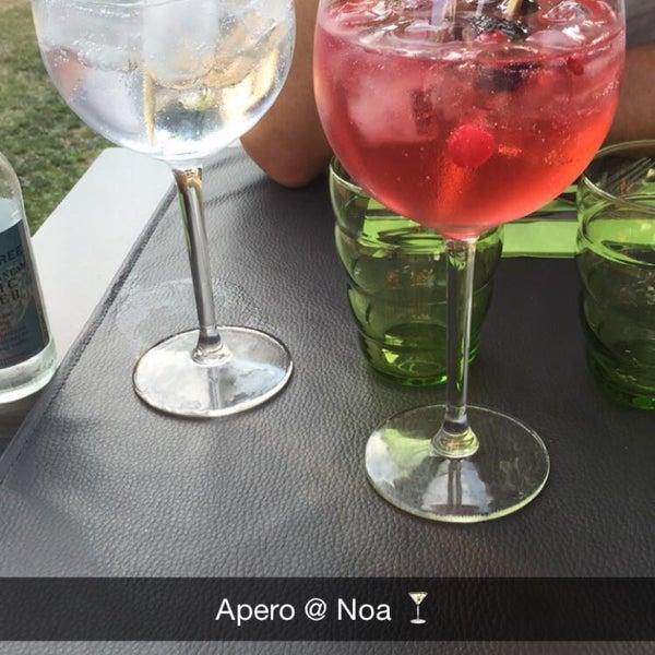 Photo prise au Noa Resto-Lounge-Bar par Alice C. le7/17/2015