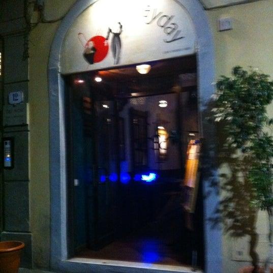 9/22/2012에 Lorenzo G.님이 Mayday Club에서 찍은 사진