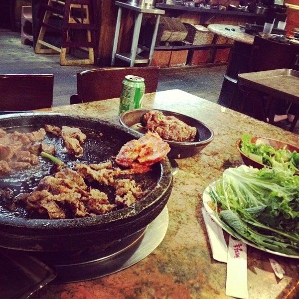 Foto scattata a Hae Jang Chon Korean BBQ Restaurant da Natalia G. il 6/10/2013