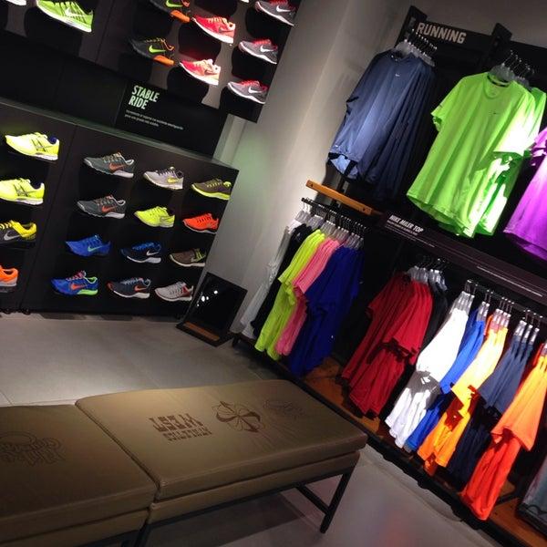 Nike Store Tienda de artículos deportivos en San Rafael
