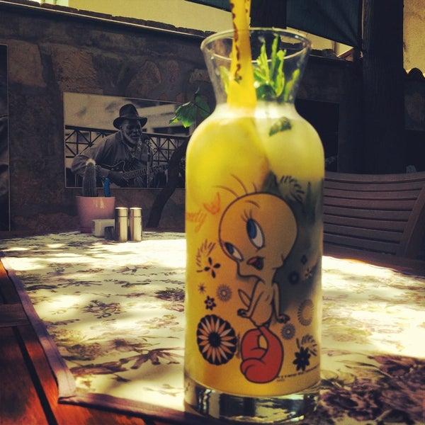 6/26/2014にŞeref BirolがLimoon Café & Restaurantで撮った写真