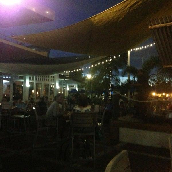 Photo prise au Bimini Boatyard Bar & Grill par Tom T. le7/7/2013