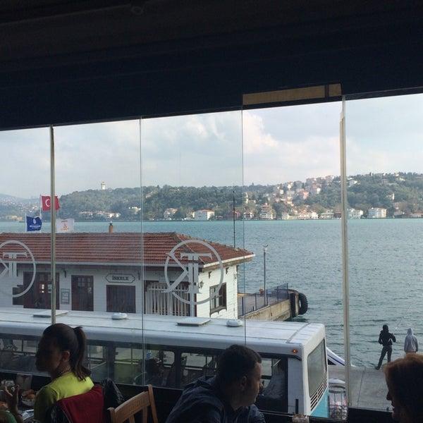 Foto tomada en Taş Kahve Cafe & Restaurant por Aysun K. el 11/2/2014