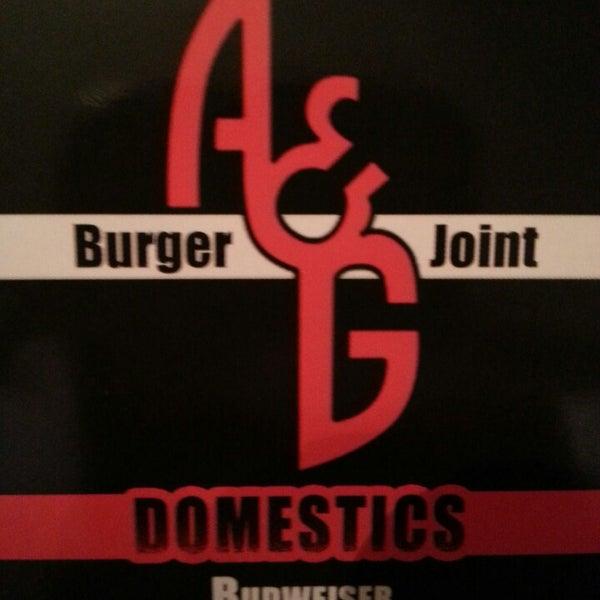 Снимок сделан в A&G Burger Joint пользователем Carlos R. 3/30/2013