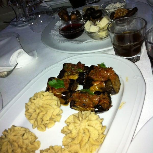 Foto tomada en Asitane Restaurant por Mehmet T. el 7/23/2013
