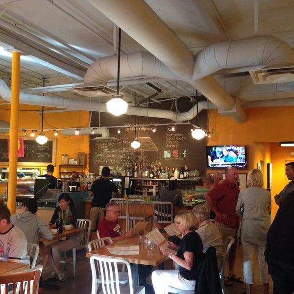 Foto scattata a Park Place Bar & Grill da Larry K. il 3/8/2014