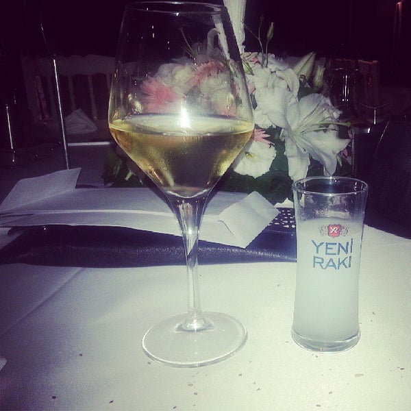 6/9/2013 tarihinde Fatoş S.ziyaretçi tarafından Mint Restaurant & Bar'de çekilen fotoğraf