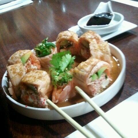 Foto tirada no(a) Obba Sushi & More por Emely em 12/14/2012