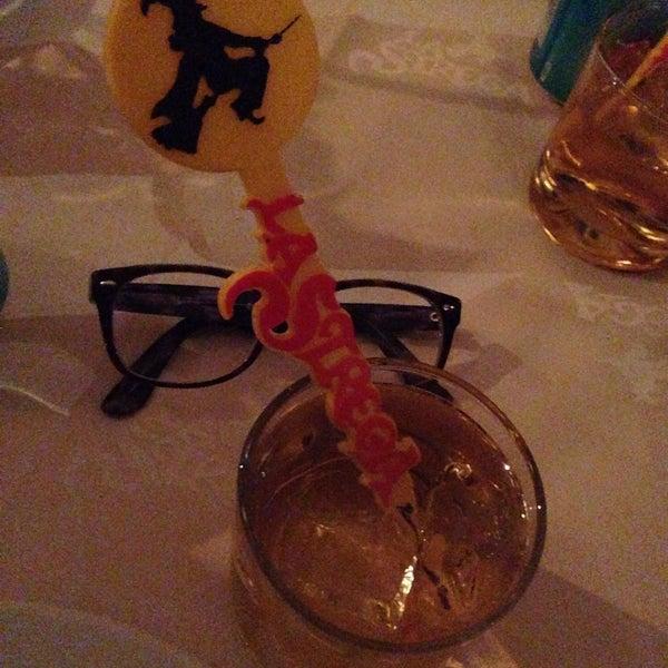 Foto diambil di Restaurante & Bar La Strega oleh Ximena A. pada 12/12/2014
