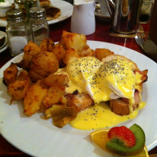Eggs bene were really good. And the potatoes are perfect crispy outsides.