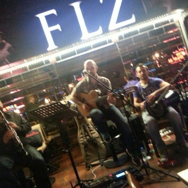 5/27/2013 tarihinde Ercan E.ziyaretçi tarafından Flz Cafe & Restaurant'de çekilen fotoğraf