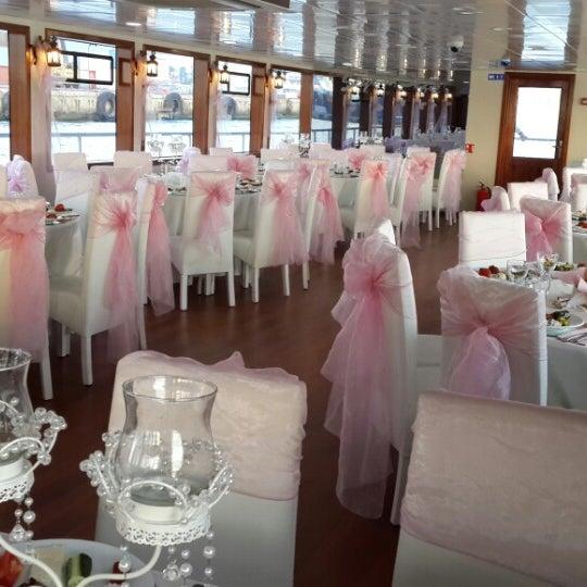 6/27/2013 tarihinde Zübeyr D.ziyaretçi tarafından Seyr-ü Sefa Teknesi | İstanbul Tekne Kiralama & Teknede Düğün'de çekilen fotoğraf