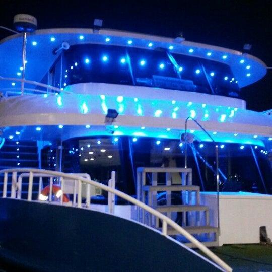 12/19/2015 tarihinde Zübeyr D.ziyaretçi tarafından Seyr-ü Sefa Teknesi | İstanbul Tekne Kiralama & Teknede Düğün'de çekilen fotoğraf