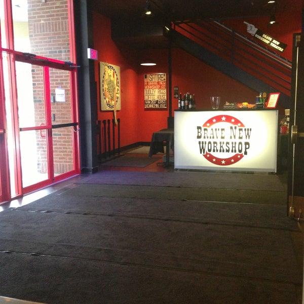 4/11/2013에 Mike K.님이 Brave New Workshop Comedy Theatre에서 찍은 사진