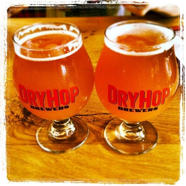 6/22/2013에 Katie C.님이 DryHop Brewers에서 찍은 사진