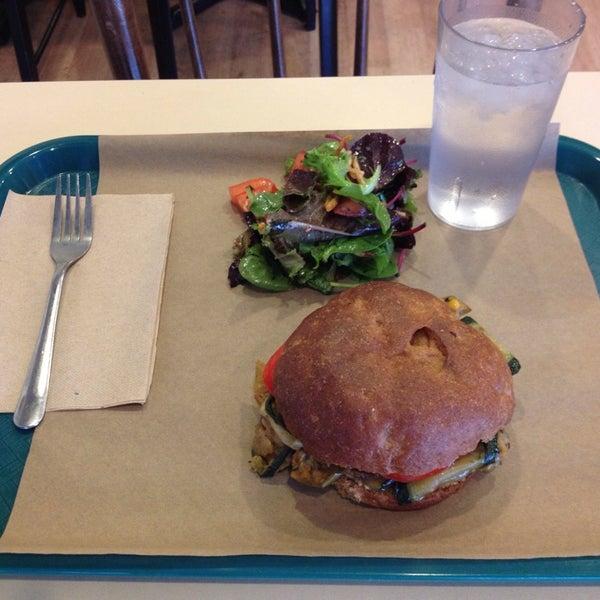 Foto tirada no(a) Sandwich Me In por Jessica C. em 10/4/2013