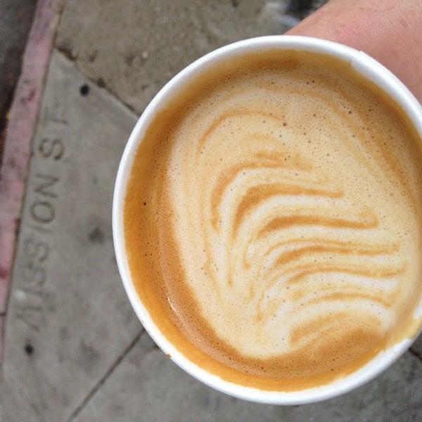 Das Foto wurde bei Cafe St. Jorge von Tracy C. am 9/15/2013 aufgenommen