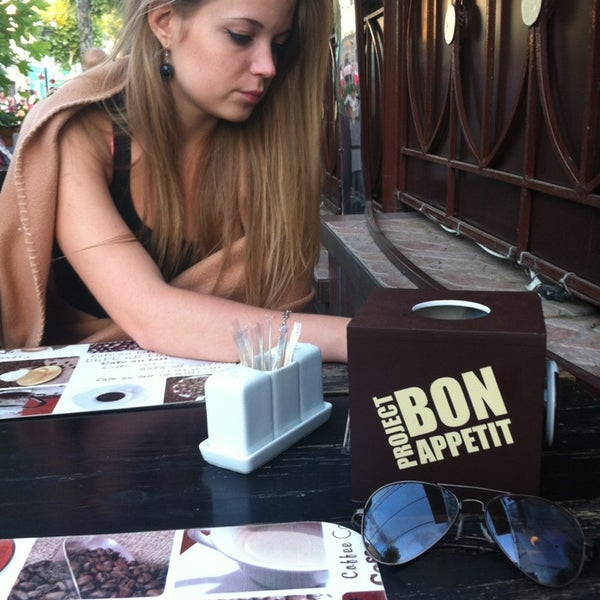 Foto tomada en Café Bon Apрétit por Ксюня Ч. el 7/22/2013