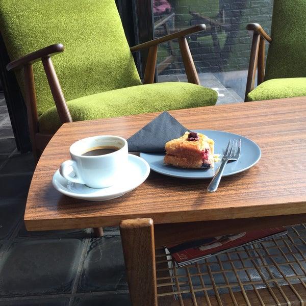 Coffee and yoghurt cake