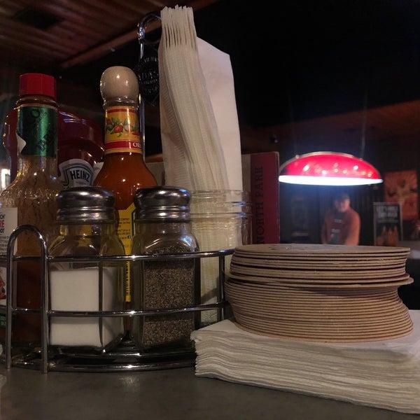 Foto tirada no(a) Redwing Bar & Grill por Jon D. em 1/20/2019