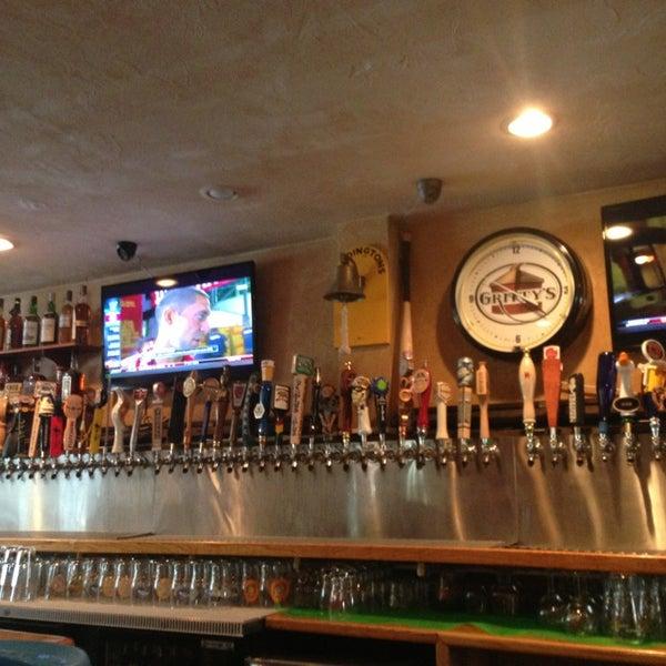Photo prise au Horseshoe Pub & Restaurant par Jennifer R. le9/11/2013