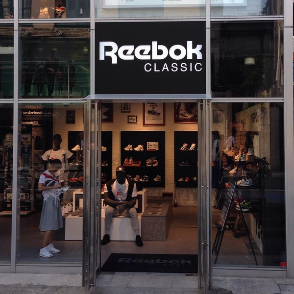 be0aadbd52e Photo taken at Reebok CLASSIC Store Harajuku by Yasuyuki M. on 8 4
