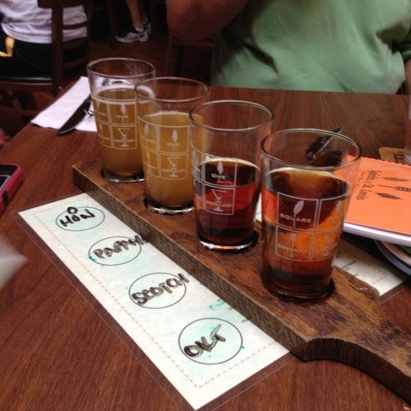 Das Foto wurde bei Square One Brewery & Distillery von Danielle am 7/7/2013 aufgenommen