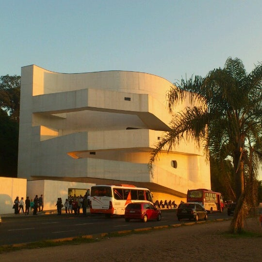 Foto diambil di Fundação Iberê Camargo oleh Anna B. pada 5/25/2013