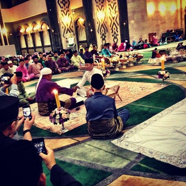3/7/2013 tarihinde Khaloode 8.ziyaretçi tarafından Masjid Al-Ameerah Al-Hajjah Maryam, Kg Jerudong'de çekilen fotoğraf