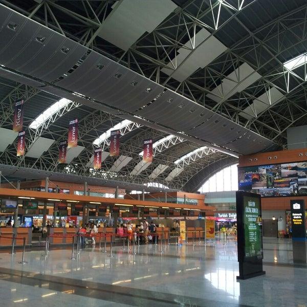 Foto diambil di İstanbul Sabiha Gökçen Uluslararası Havalimanı (SAW) oleh Kürşat .. pada 7/28/2013