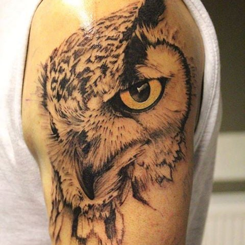 9/19/2014 tarihinde Sperlich Tattooziyaretçi tarafından Sperlich Tattoo'de çekilen fotoğraf