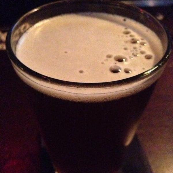 7/1/2013 tarihinde Zach L.ziyaretçi tarafından West Side Lounge'de çekilen fotoğraf