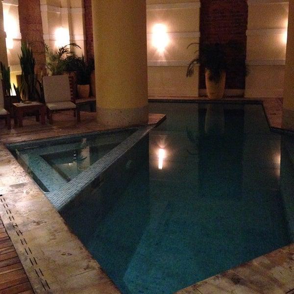 รูปภาพถ่ายที่ Hotel de la Opera โดย Isra G. เมื่อ 10/8/2014