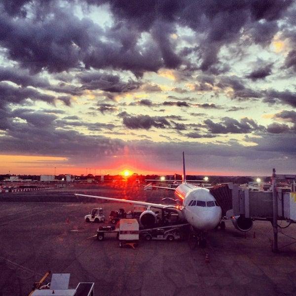 Foto tomada en Aeropuerto Internacional de Brasilia Presidente Juscelino Kubitschek (BSB) por Steven C. el 8/28/2013