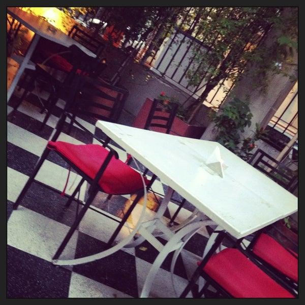 Foto scattata a Museo Evita Restaurant & Bar da Sebastian L. il 5/31/2013
