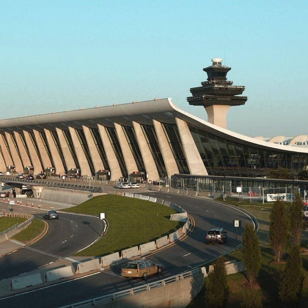 Foto diambil di Washington Dulles International Airport oleh Lucas H. pada 7/16/2015