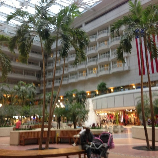 Foto tirada no(a) Aeroporto Internacional de Orlando (MCO) por Alaa em 6/18/2013