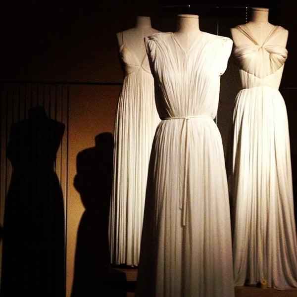 Foto tirada no(a) MoMu - ModeMuseum Antwerpen por nathalie em 12/2/2012
