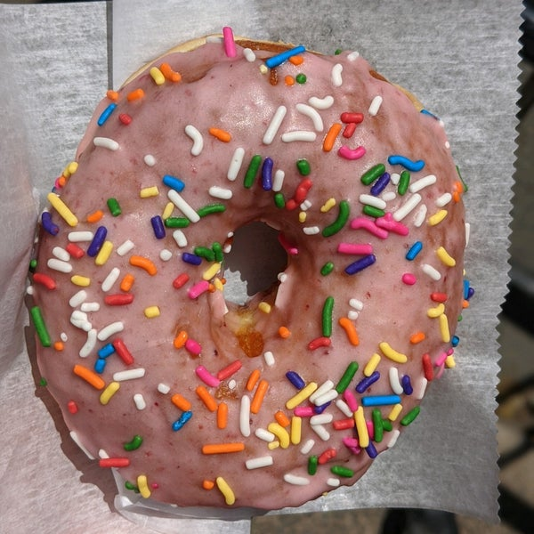 Foto scattata a Boxer Donut & Espresso Bar da Christopher S. il 5/31/2020