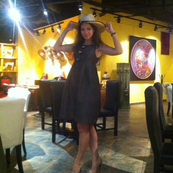 6/21/2013에 Yannetta님이 Mexican Club에서 찍은 사진