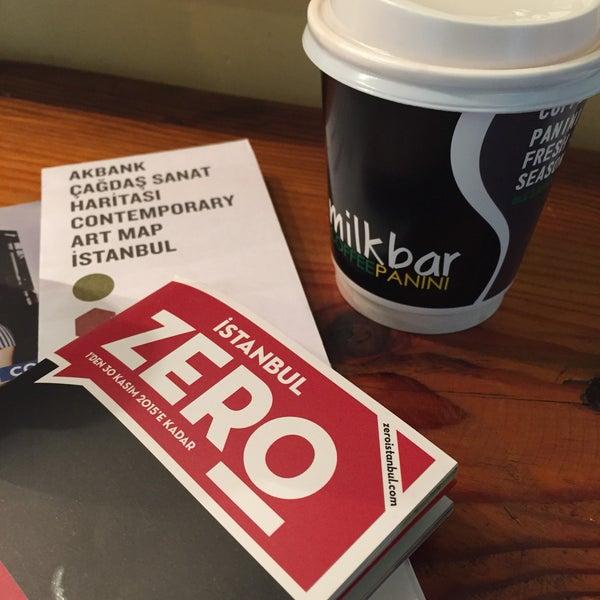 รูปภาพถ่ายที่ Milkbar Coffee & Panini โดย Seda M. เมื่อ 11/12/2015