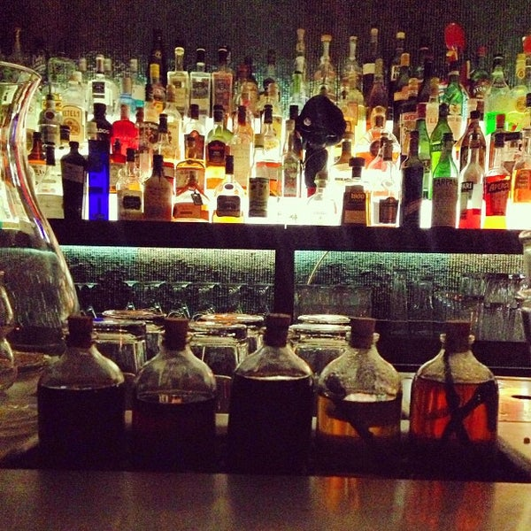 Foto scattata a CINCO Lounge da Pedro P. il 4/21/2013