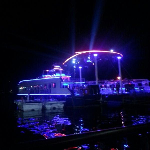 6/27/2013 tarihinde Deniz Ç.ziyaretçi tarafından Club Catamaran'de çekilen fotoğraf