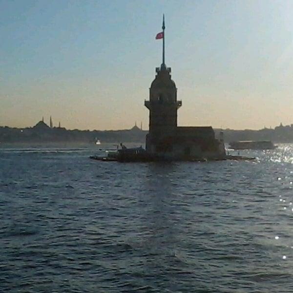 รูปภาพถ่ายที่ Kız Kulesi โดย Ali เมื่อ 6/10/2013