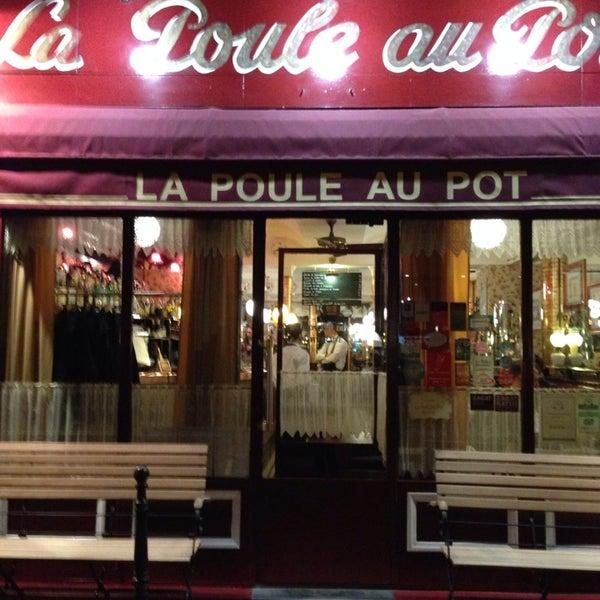 Снимок сделан в La Poule Au Pot пользователем Francesca M. 10/30/2013
