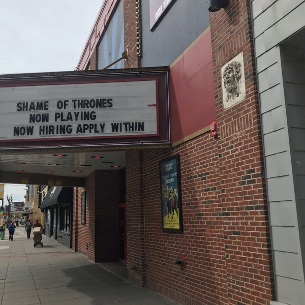 9/24/2019에 Chuck O.님이 Brave New Workshop Comedy Theatre에서 찍은 사진